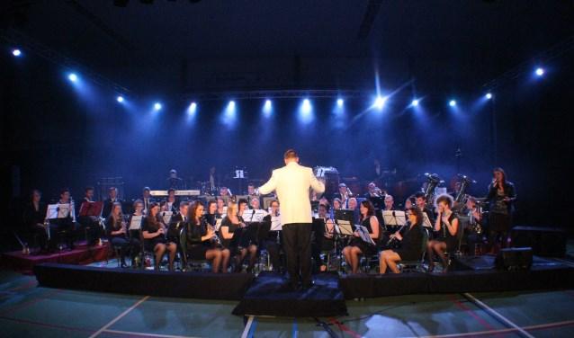 De Hellendoornse Harmonie zorgt voor de muzikale begeleiding van het Helders Advent.