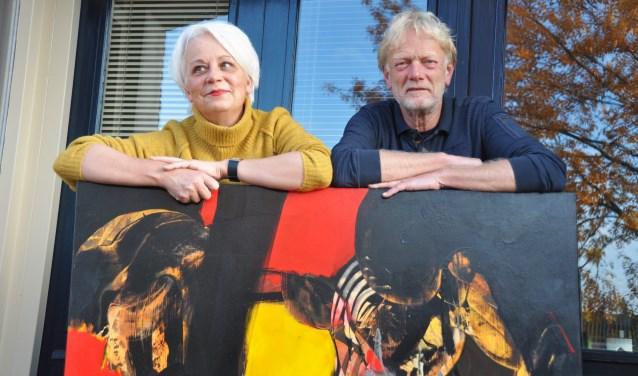 Carien van Dongen en Sybe Waarts zijn een kunstuitleen gestart vanuit hun galerie in de Spoorstraat. Particulieren en bedrijven kunnen er kunstwerken huren en eventueel aankopen.