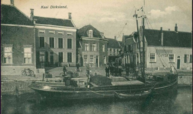 De haven van Dirksland.