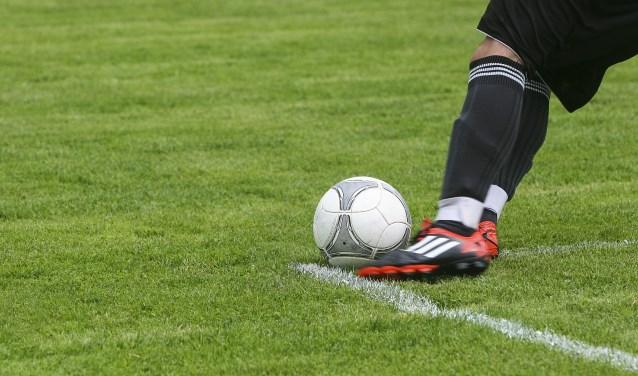 Onze sportverslaggever Arend Vinke houdt wekelijks alle uitslagen bij van de eerste voetbalteams uit Epe, Heerde en Hattem.
