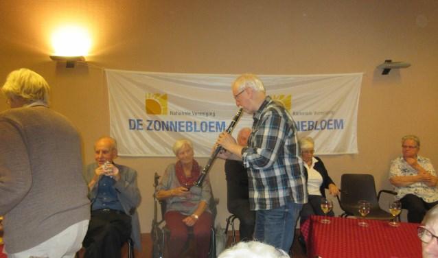 Zonnebloem Aalst verzorgt een gezellige middag. Foto: Henriette van 't Hof.