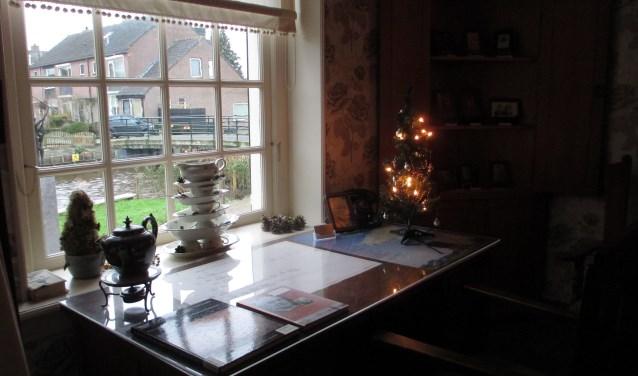 In museum Het Voorhuis is de schrijfkamer van auteur J.W. Ooms nagebootst.