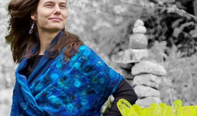 Op donderdagmiddag 7 en 14 december kun je bij de Aleph in Drunen terecht voor de workshop Vilten. In twee middagen ga je onder begeleiding van Charlotte Tieleman een prachtige sjaal vilten. Perfect voor de feestdagen!