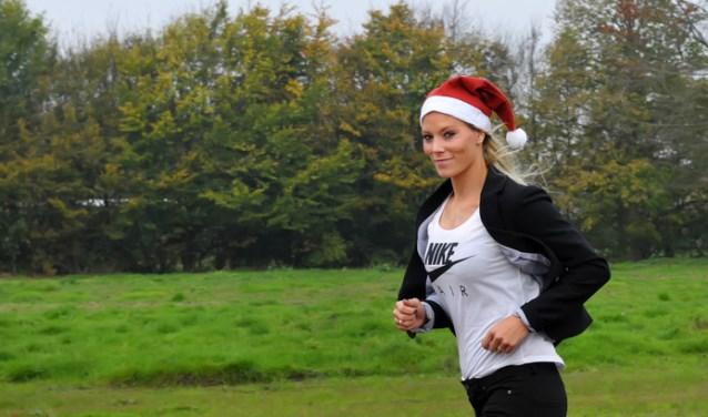 Olympisch meerkampster Nadine Broersen houdt op 23 december een sportief loopevenement in haar woonplaats Dongen: de 'Santa Night Run by Nadine' met 'Spieren voor Spieren' als goed doel.