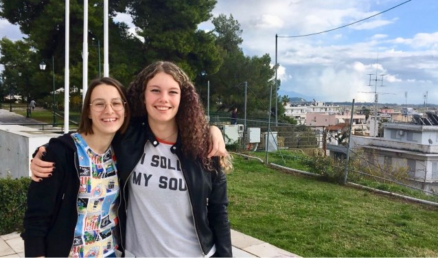 Erasmus-leerlingen Doortje en Tosca in Griekenland