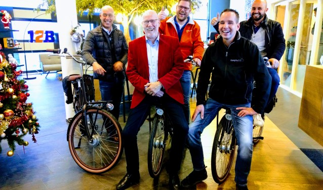 Vier bedrijven op het Nijverdalse bedrijvenpark 't Lochter hebben een aantal elektrische bedrijfsfietsen aangeschaft.