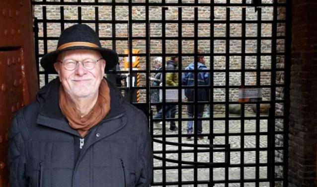 Rein ten Have zag een aantal jaar geleden een oproep van Slot Loevesein toen hij in Australië verbleef. Hij werkt met veel plezier als gastheer in het slot. Op www.slotloevestein.nl vind je meer informatie over de vacatures voor vrijwilligers.