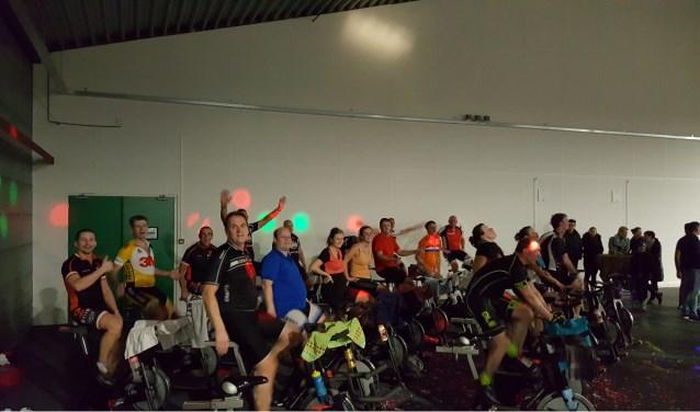 Zaterdag 3 maart is er in de Steenbergse Knotwilg een grote spinningmarathon. De opbrengst hiervan wordt gebruikt voor de organisatie van de Nederlandse kampioenschappen voor jeugdwielrenners op zondag 17 juni.