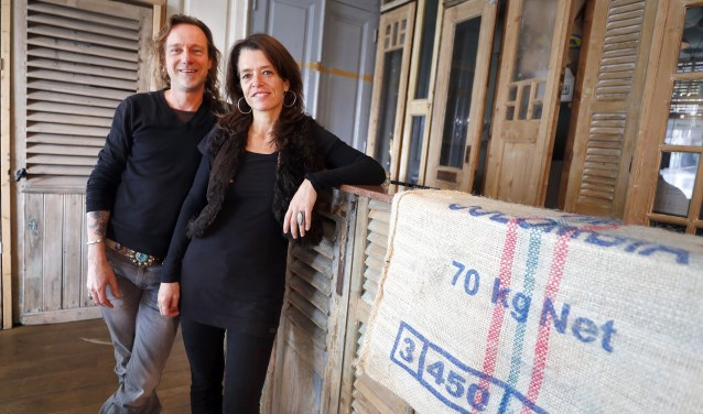"""Na een FeelGood Market in Eindhoven, nu ook een FeelGood Café in stadsdeel Meerhoven. """"Het moet een inspirerende plek worden"""", aldus de initiatiefnemers Van Breugel en Brayers. Foto: Bert Jansen."""
