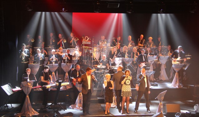 Zondag 10 december presenteert Benny's Big Show Orchestra in Restaurant & partycentrum Remise in Drunen een muzikaal opwarmertje voor het komende kerstfeest.