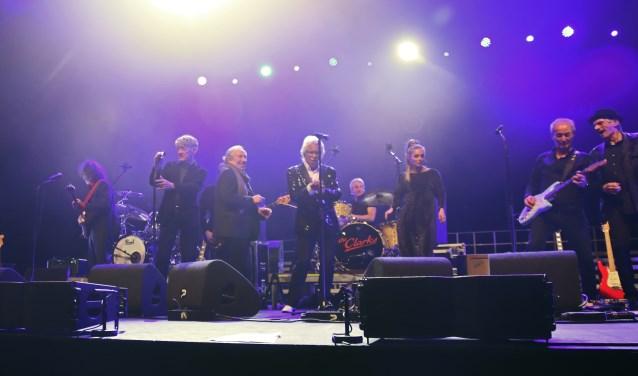 De Pioniers van de Nederpop excelleren op het podium. Foto: Jerrold Mallee.