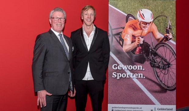 Jan Markink, gedeputeerde van de provincie Gelderland, en Paul Toes, Paralympisch basketballer en ambassadeur van Gelderland sport onbeperkt, startten de campagne Gelderland sport onbeperkt tijdens het Gelders sportgala.