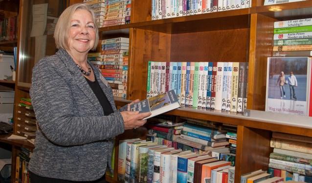 Al ruim 25 jaar is Wil betrokken bij de bibliotheek in De Blije Borgh. (FOTO: Cees van Meerten/FotoExpressie)