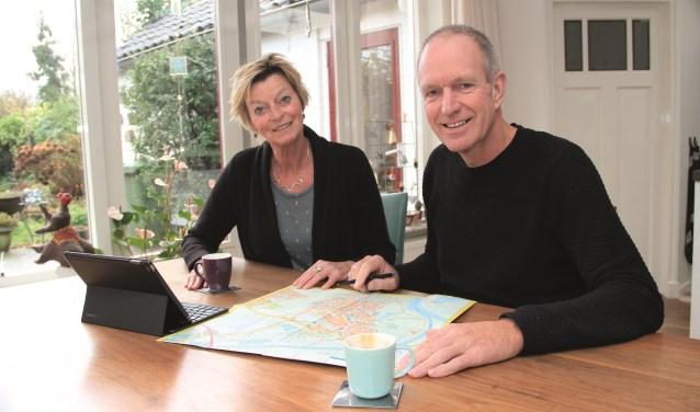 """Lucy Menting en Jos Veelen: """"We moeten meer bewegen en wandelen is daar het ultieme voorbeeld kan. Mijn vriendin en ik hebben ons voorgenomen in 2018 minimaal 1.000 kilometer te wandelen."""""""