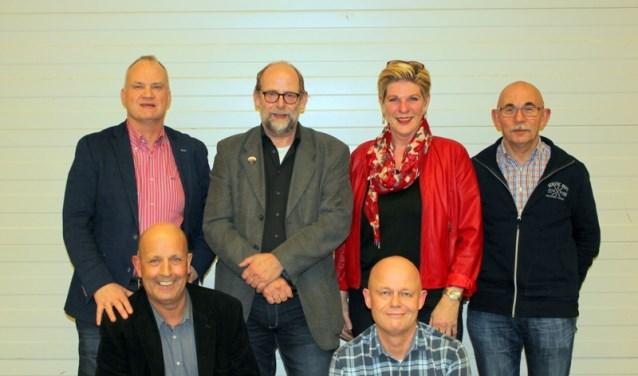Op foto: Erik Groters, Henk Rijks, Margret Rensink, Jaap Jacobsen, Alex Walter, Leo van den Berg