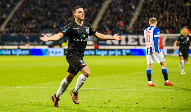 Mustafa Saymak viert zijn doelpunt tegen SC Heerenveen. (foto: Henry Dijkman)