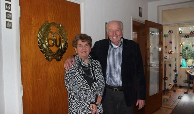 Echtpaar Rini en Gerard Kokhuis vormen al 60 jaar op verschillende terreinen een paar en als het aan hen ligt gaan ze hier de komende jaren gewoon mee door