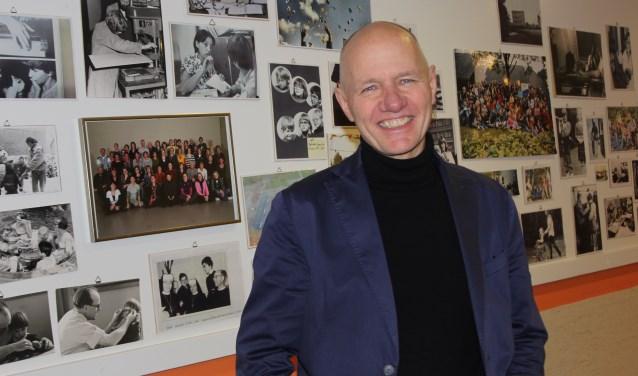 Na 42 jaar gewerkt te hebben in het speciaal onderwijs heeft Piet Wientjes recent afscheid genomen van de Rafaelschool in Sint-Michielsgestel. De volgens hem, enige en dus unieke school voor doof/blinde kinderen in Nederland. Foto: Wendy van Lijssel