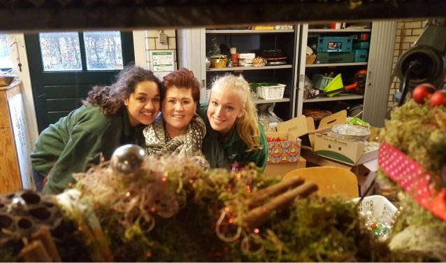 Medewerkers van de Stadsboerderij zijn volop bezig om ook dit jaar weer een supergezellige Kerstmarkt te brengen