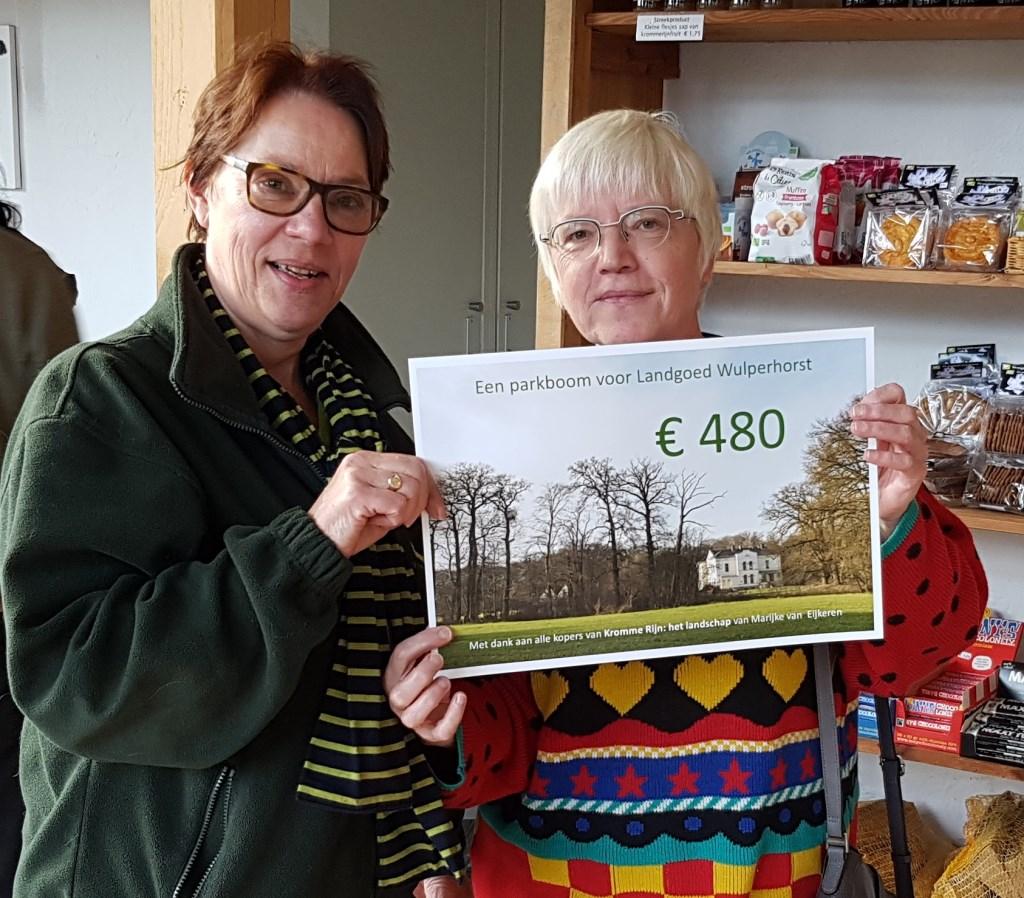 Een cheque voor het Utrechts Landschap Foto: Nanda Geertsma © Persgroep