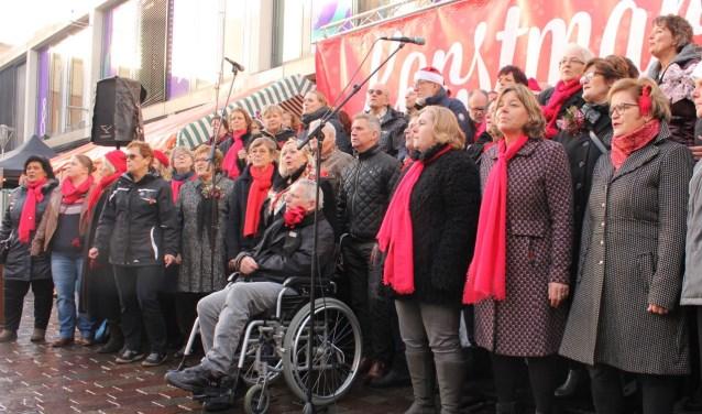 Optreden Popkoor Elan op Kerstmarkt Vleuterweide