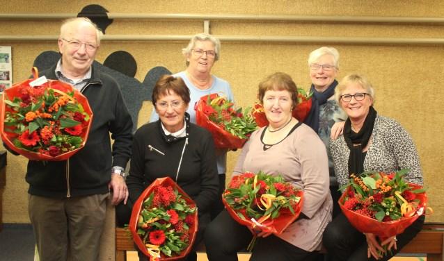 De groep Aas werd als winnaar in het bloemetje gezet.