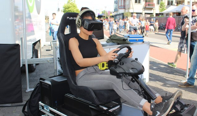 In een 3D-tripping simulator kunnen de toekomstige of beginnende bestuurders op een veilige manier ervaren dat alcohol, drugs en verkeer niet samengaan.