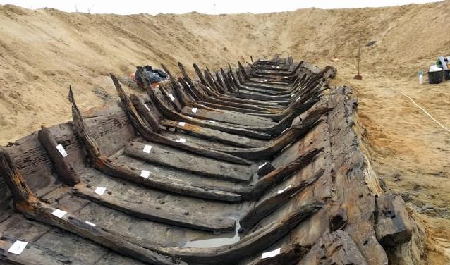 Twee archeologen, Jelle van Hemert uit Rossum en Nils Kerkhoven uit Dreumel, die aan het project hebben meegewerkt, komen woensdag 13 december iets over de vondsten en over de aanpak van het archeologisch project vertellen.