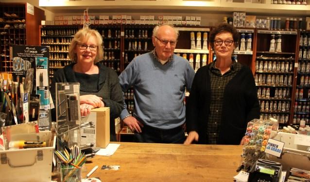 Vlnr: Karin Vermulst (rechterhand van Tineke), Eduard Hanssen en Tineke Oberendorff. Foto: Romy Chatrou-van der Sande.