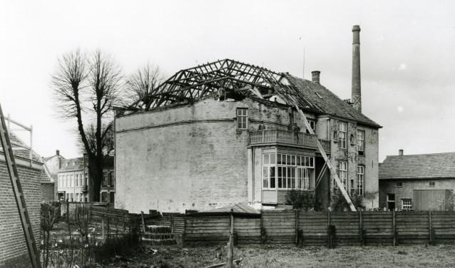 Foto van de afbraak van het Osse Hooghuis, de verbouwde voormalige Graafse Poort, in 1925. Foto: RCE