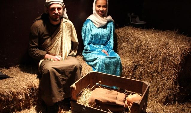 Helaas, in Murray's Herberg is er voor Jozef en de hoogzwangere Maria geen slaapplaats meer maar wel in de stal van kinderboerderij 'De Trotse Pauw'.