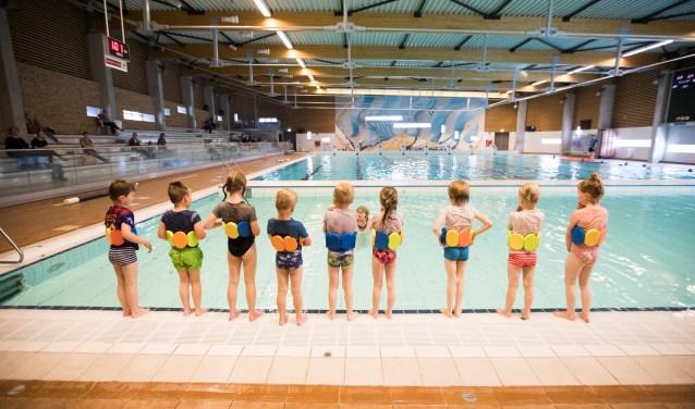 Op het gebied van zwemonderwijs kan Het Ravijn terugblikken op een geslaagd jaar. Een recordaantal kinderen (265) werd ingeschreven voor het Zwem ABC.