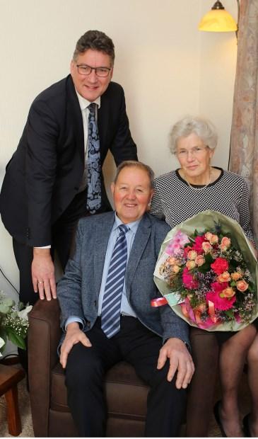 De heer en mevrouw Augustinus-Lindner en wethouder Hans Keuken.(Fotro: 3JetFotografie Ochten)