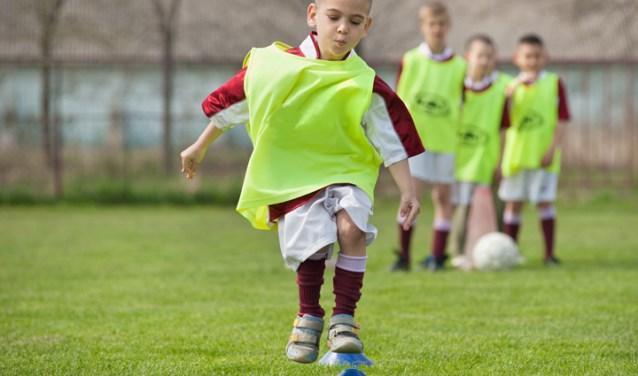 Met hulp van stichting leergeld kunnen kinderen ook meedoen aan sport. (foto pr)