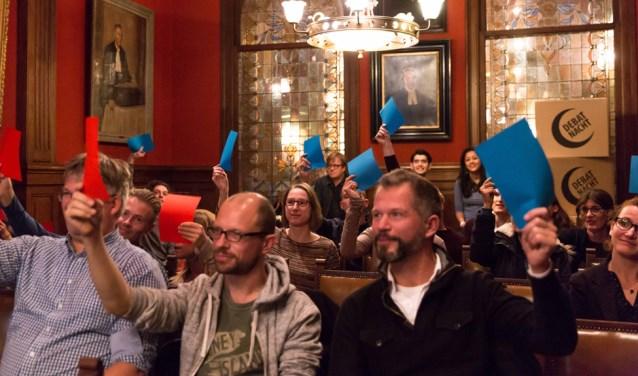 Discussieer mee met actuele en boeiende onderwerpen tijdens de Debatnacht (foto: Geertje van Achterber).