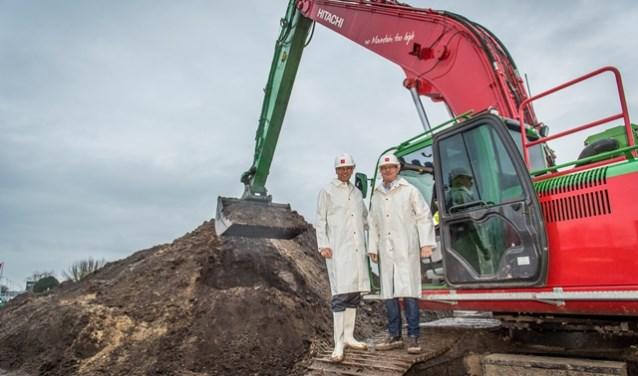 Wethouder Mario Jacobs van de gemeente Tilburg en Jaap van Engelshoven, adjunct-directeur AM Zuidwest, gaven het startsein.