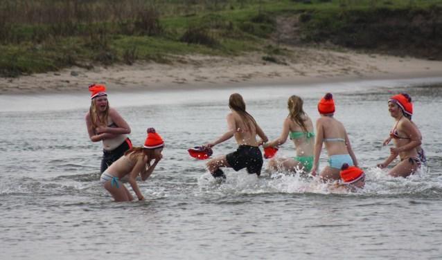 Wel apart: duiken in de ijsbaan. Archief: Mieneke Lever-van Dieren
