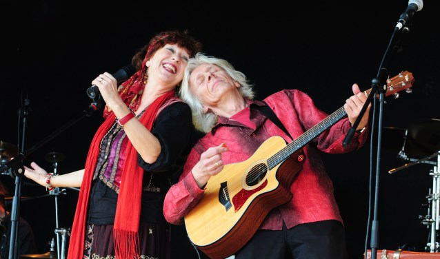 Bij de voorstelling van Elly en Rikkert valt er veel mee te zingen en mee te doen.