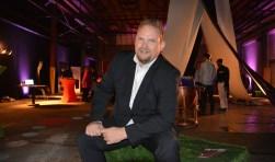 Wethouder Tseard Hoekstra tijdens de Creatieve Campus in oktober 'op De Werf' in de voormalige Biesterfeldhallen.