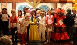 Ook de kinderen van de Laurentiusschool treden weer op tijdens het Ouderencarnaval in de Vianden in het Ginneken.