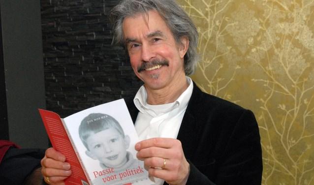 Theoloog Jos Roemer uit Nijmegen schreef een 'warm' boek over broederliefde met Emile Roemer in de hoofdrol. (Foto: Tom Oosthout)