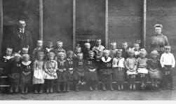 1918 - 1920 ol school Stationsstraat fb 4360 b