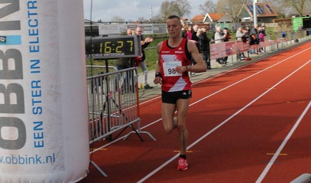 De winnaar op de 5000 m, Edwin Wissema.