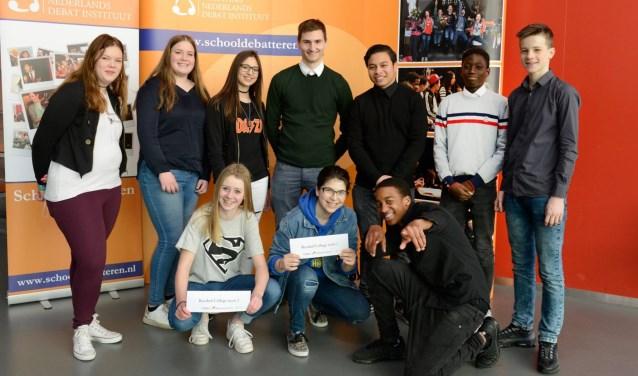bronzen plak voor debatteam van reeshof college | stadsnieuws (tilburg)