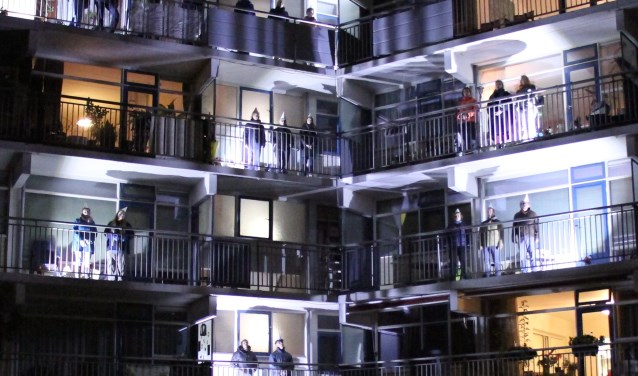 18 Prachtige Trappenhuizen : Arnhemse koerier zing mee in het prachtige trappenhuis van