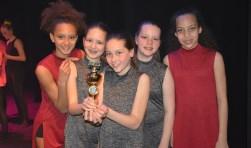 Eén van de twee bekers die Danceprofs uit Maarssen won. Foto: Danceprofs