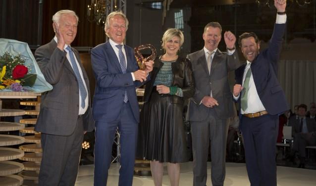 Bestuursvoorzitter George Terberg ontving de award uit handen van Prinses Laurentien.  ''Een kroon op het werk van onze familie en alle medewerkers.'' (Foto: Stichting Familie Onderneming)
