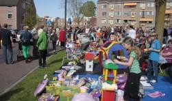 Koningsdag in Lichtenvoorde begint met een rommelmarkt in de tuin van Antoniushove. Archieffoto: Eveline Zuurbier