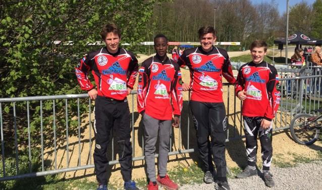 De vier finalerijders van FCV Het Twentse Ros. Vlnr: Mathijs de Ruiter, Koen Tijink, Yoeri Tilanus en Brian Vloon.