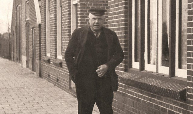 Ouderling J.H. Altink.